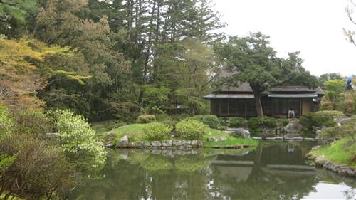 095 Issui-en gardens.jpg
