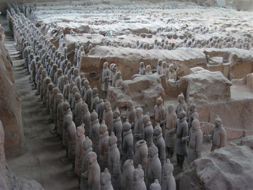204 Qin Terra Cotta Warriors - Pit 1.jpg