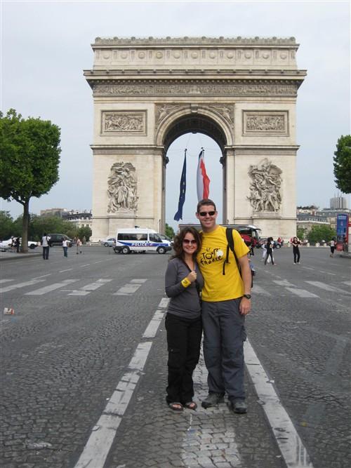 058 Race fans at the Arc de Triomphe.jpg
