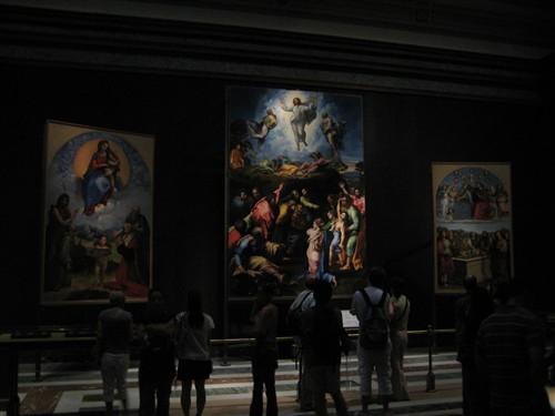 109 Vatican Museums - Room with La Trasfigurazione.jpg