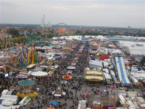 059 Oktoberfest view from the scary swing ride.jpg