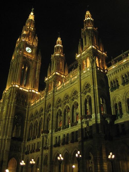 52 Rathaus at night.jpg