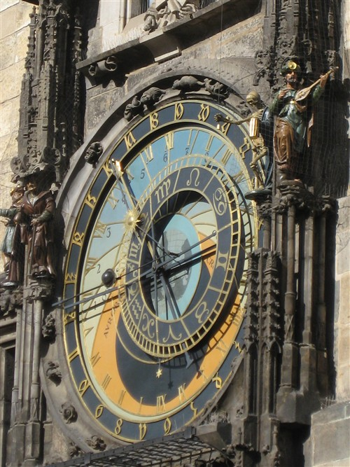 004 Astonomical clock with a bell-ringing skeleton & the 12 apostles.jpg
