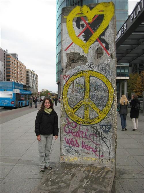 118 Berlin wall section in Potsdamer platz.jpg