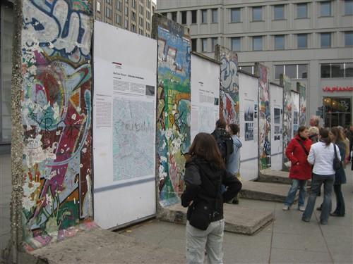 119 Berlin wall section in Potsdamer platz.jpg