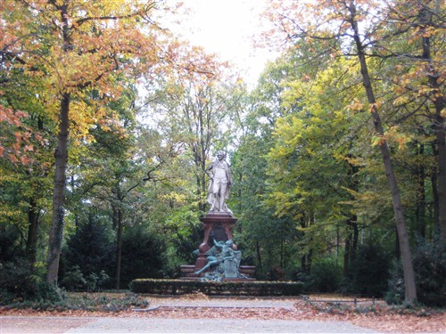 123 Statue in the park.jpg