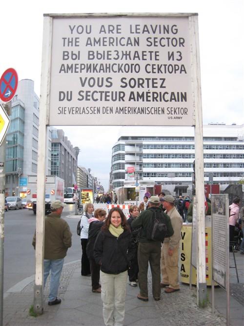 138 Checkpoint Charlie.jpg