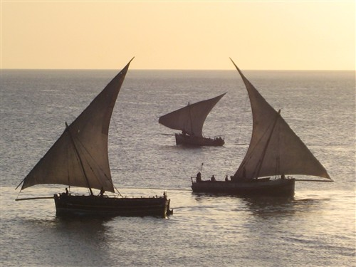 077 Dhows at sunset.jpg